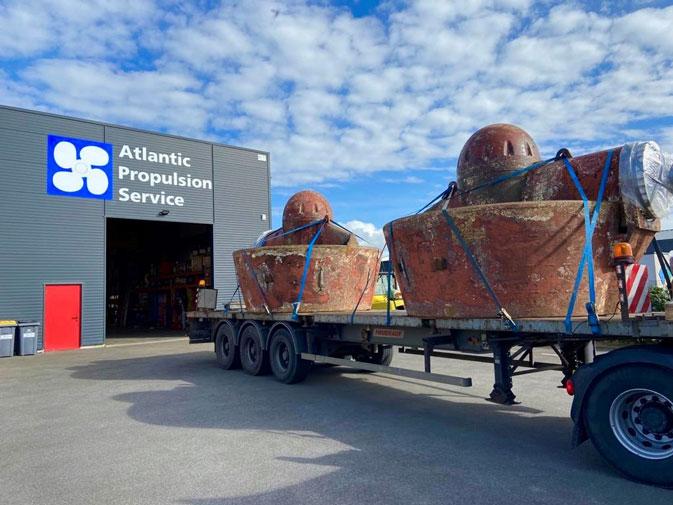 Atlantic Propulsion Service, entreprise spécialisée en propulsion marine située à St-Brévin (44 - FRANCE), se charge de la maintenance et réparation des hélices, propulseurs d'étrave...